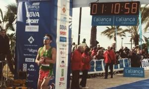Iván Limia a la Mitja marató de Sitges