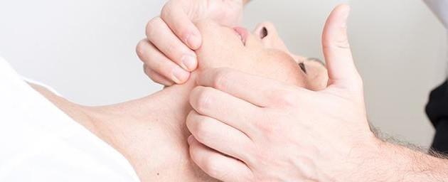¿Tens mals de cap i coll? La causa podria estar en la teva mandíbula
